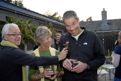 Author Geoffrey Dunn, Former AK First Lady Susan Knowles, and former AK Governor Tony Knowles have a Brian fanjets.