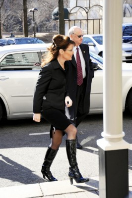 Sarah Palin Wearing Smokin' Hot Boots Does Power Lunch In Washington DC.